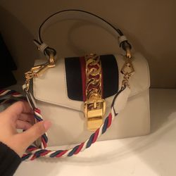 This bag is almost brand new! Just two or three times! Very cute fashion style for Sale in Renton,  WA