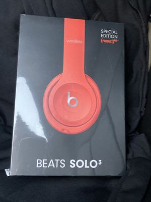 Beats solo3 special edition red for Sale in Woodside, CA