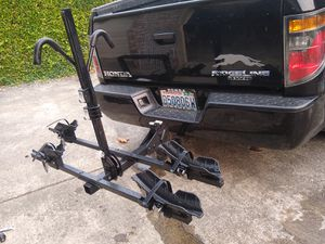Thule (2 place bike rack) for Sale in Federal Way, WA