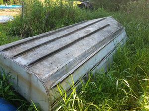 14' fishing boat and outboard motor for Sale in Richmond, IL
