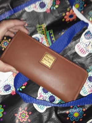 Dooney and Bourke Wallet for Sale in Santa Ana, CA