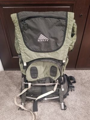 Kelty Sierra Crest 3950 Hiking backpack Green and black colors Size 3 Great Pre-owned condition for Sale in Newark, CA