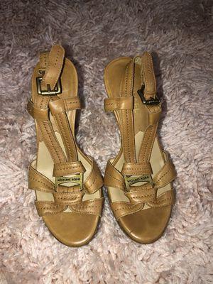 Women brown Michael Kors heels size 5M for Sale in Oakland, CA