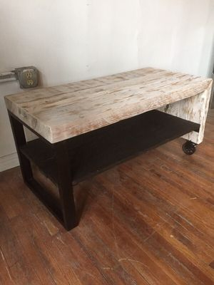 Reclaimed barn wood table for Sale in Columbus, OH