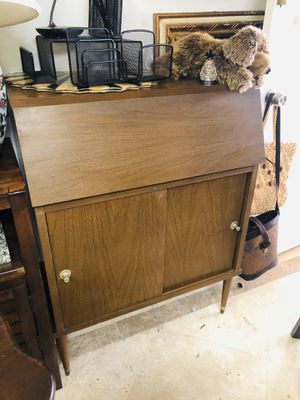 🚧🛍CURBSIDE 50% OFF SALE🚗🚧 VINTAGE PETITE SECRETARY DESK W SLIDE CABINET CUS $FIRM *Zelle Paypal Holds *FREE 🚚 EAST LOCAL GROUND for Sale in Lake Worth, FL