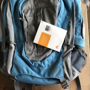 New Kelty Redwing Women's Backpack for Sale in Vancouver, WA