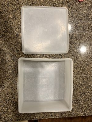 Vintage Tupperware hard to find square keeper for Sale in Damascus, OR