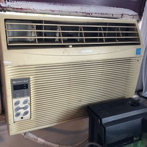 Sharp Window Ac Unit 12000 Btu for Sale in La Verne, CA