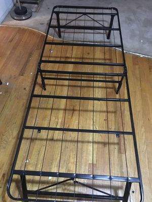 Twin Bed frame Sturdy all metal almost brand new for Sale in Queens, NY