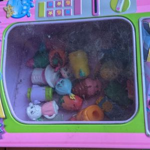 Shopkins Tin And 30 Figures for Sale in Los Angeles, CA