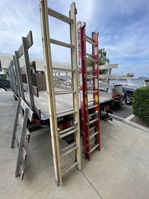 16 foot fiberglass extension ladder for Sale in San Clemente, CA
