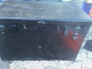 Victorian antique trunk for Sale in Kennedale, TX