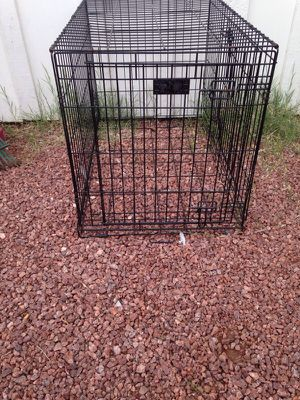 Large dog crate for Sale in Las Vegas, NV