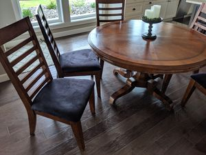 Dining table and six chairs for Sale in Chelan, WA