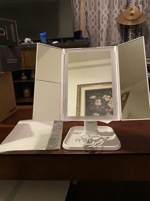 Brand new Airexpect Makeup Mirror Vanity Mirror with Lights - 3 Color Lighting Modes 72 LED Trifold Mirror, Touch Control Design, 1x/2x/3x Magnificat for Sale in Palmdale, CA