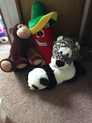 Big stuffed animals (large) for Sale in Bremerton, WA