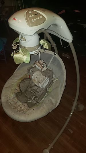 Automatic swing for baby asking $35 for Sale in Chicago, IL