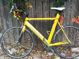 Cannodale road bike for Sale in Austin, TX