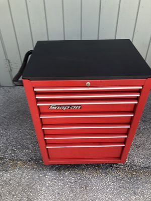 Snap on tool box in very good condition with New Black Star Board Top 1/2 thick for Sale in Pembroke Park, FL