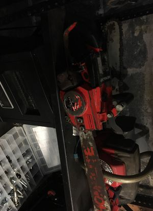 Super e-z homelite chainsaw runs great. Just serviced. New chain , Carb cleaned,new plug, for Sale in Baltimore, MD