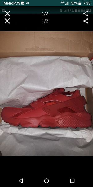 Nike Huarache triple red size 10 for Sale in Ravenna, OH