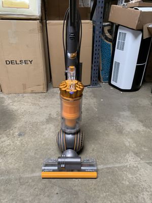 Dyson UP19 Multi Floors Upright Vacuum for Sale in Norwalk, CA