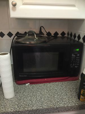 Microwave works well for Sale in New York, NY