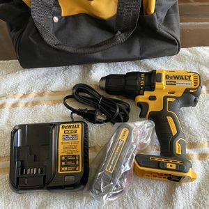 Dewalt 20volt Drill , Battery End Charger N Bag New /Nuevo for Sale in Henderson, NV