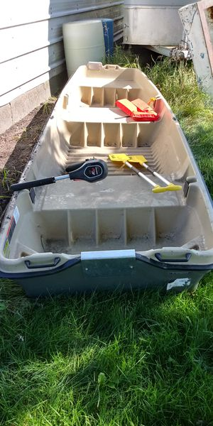 12' Intruder flat bottom boat for Sale in Oakland, MN