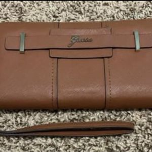 Guess Wallet/clutch for Sale in New Baltimore, MI