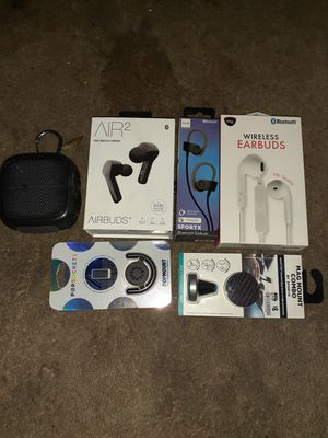 Bluetooth headphones+pop socket & mounts for Sale in Tacoma, WA