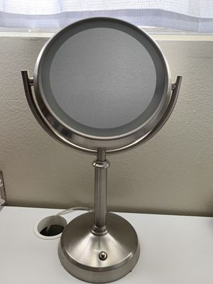 VANITY MIRROR for Sale in Spring Valley, CA