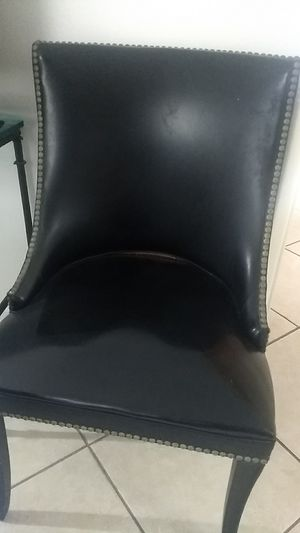 Antique Leather chair with brass nailhead finish for Sale in Miami, FL