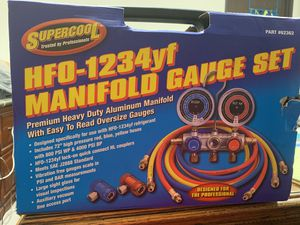 New Freon 1234YF manifold Gauge for Sale in Montclair, CA