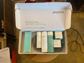 Brand new never used proactive skin care set for Sale in Dana Point,  CA