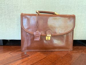 Leather briefcase for Sale in Paradise Valley, AZ