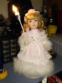 Beautiful Doll Lamp for Sale in Fort Worth,  TX