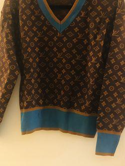 Beautiful Sweater for Sale in Riverside,  CA
