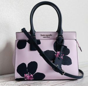 Beautiful flower Kate spade bag for Sale in Cleveland, OH