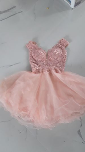 Pink Prom/Homecoming dress short puffy for Sale in Enumclaw, WA