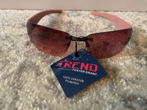 NWT Foster Grant women's sunglasses for Sale in Dittmer, MO