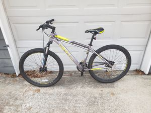 Montaña bike 27/5 inches like new for Sale in Fairview, TX