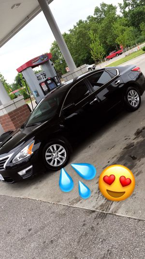 Clean 2015 Nissan Altima, push start for Sale in Cleveland, OH