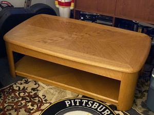 Coffee table for Sale in Port Orchard, WA