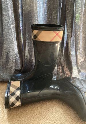 BURBERRY WOMENS RAIN BOOTS SIZE 38 (US size 8) for Sale in Alexandria, VA