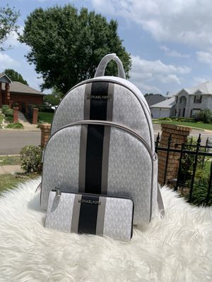 Michael Kors Abbey LG Backpack And Wallet for Sale in Arlington, TX