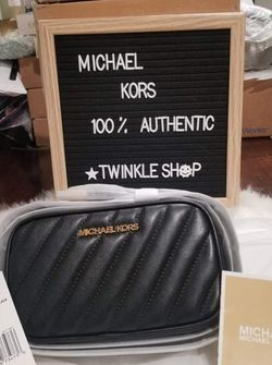 Authentic Michael Kors Convertible Belt bag New WithTags for Sale in National City,  CA