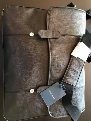 Cole Haan leather messenger bag (new) for Sale in Tampa, FL