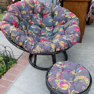 World Market Papasan Chair & Footrest for Sale in Placentia, CA