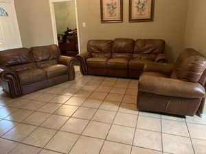 3 piece genuine leather living room sofa set for Sale in Fresno, TX